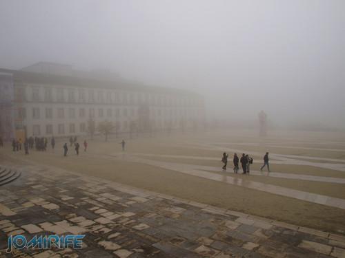 Paço das escolas da Universidade de Coimbra com nevoeiro