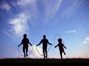 crianças-brincando-300x225.jpg