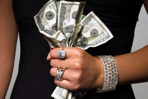 15 pensamentos que diferem as pessoas ricas.jpg