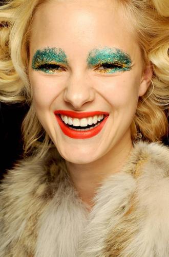 christmas makeup.png