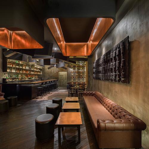 alberto-caiola-the-press-flask-bar-inside-vending-