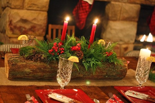 rustic-table-centerpiece-wooden-branch-evergreens-