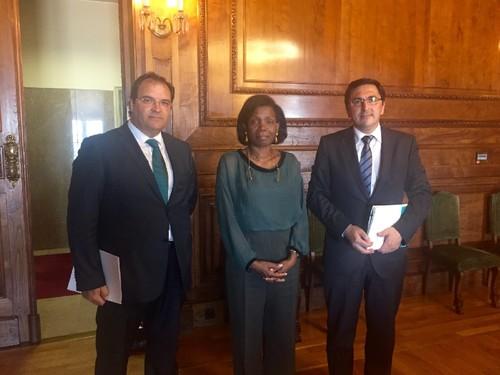 MJ-FranciscaVanDunem+PresidenteCamaraEsposende(JUN