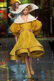 Dior amarelo.jpg