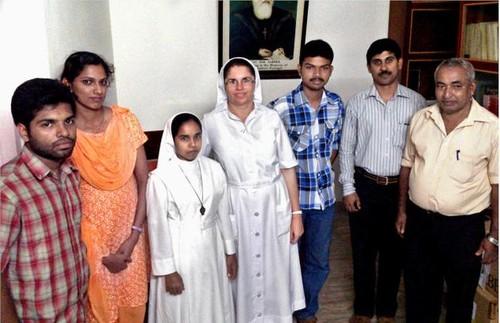 Irmã Carmo de Jesus e alunos-Cochim.jpg