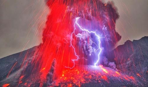 Relâmpago vulcânico.jpg