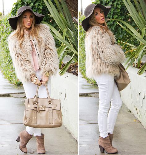 look-calça-branca-e-casaco-de-pelos1.jpg