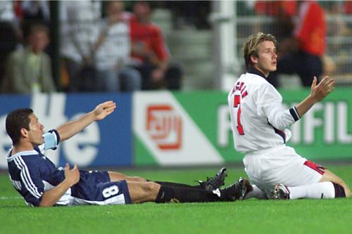 Beckham foi expulso no Mundial-1998