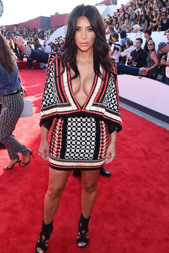 kim-kardashian-balmain-1.jpg