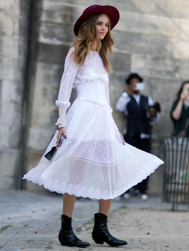 chiara-ferragni-street-style-white-midi-dress-cowb