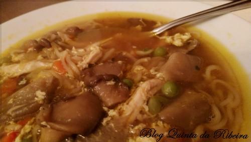 Sopa chinesa de cogumelos