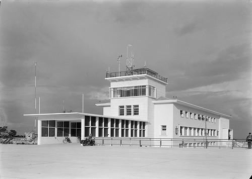 Aeroporto_de_Lisboa,_1942.jpg