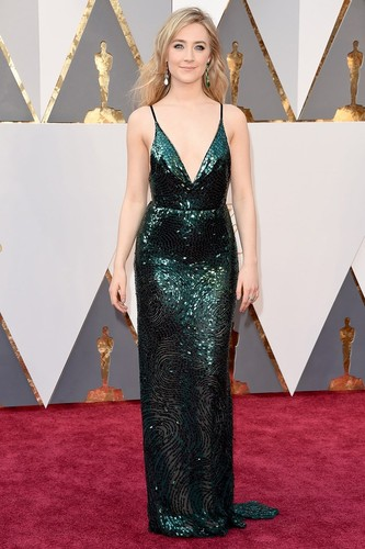 oscars-red-carpet-2016-best-dressed-saoirse-ronan.