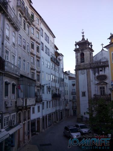 Nascer do dia na Praça do Comércio em Coimbra [en] Dawn in the Commerce Square in Coimbra