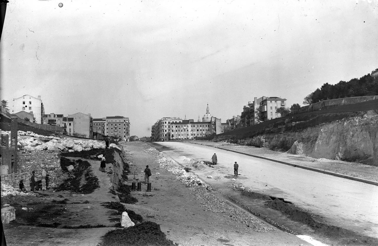 Avenida Infante Santo em construção edu port.jpg