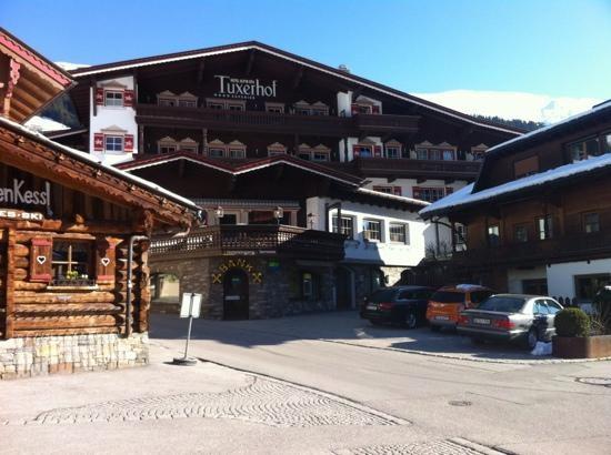 hotel-alpin-spa-tuxerhof.jpg