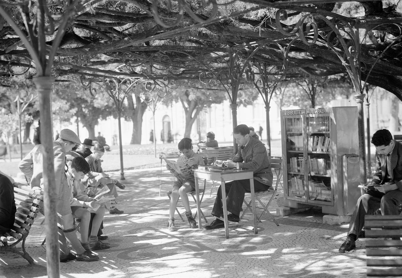 Biblioteca Municipal ao ar livre,1939, edu port.jp