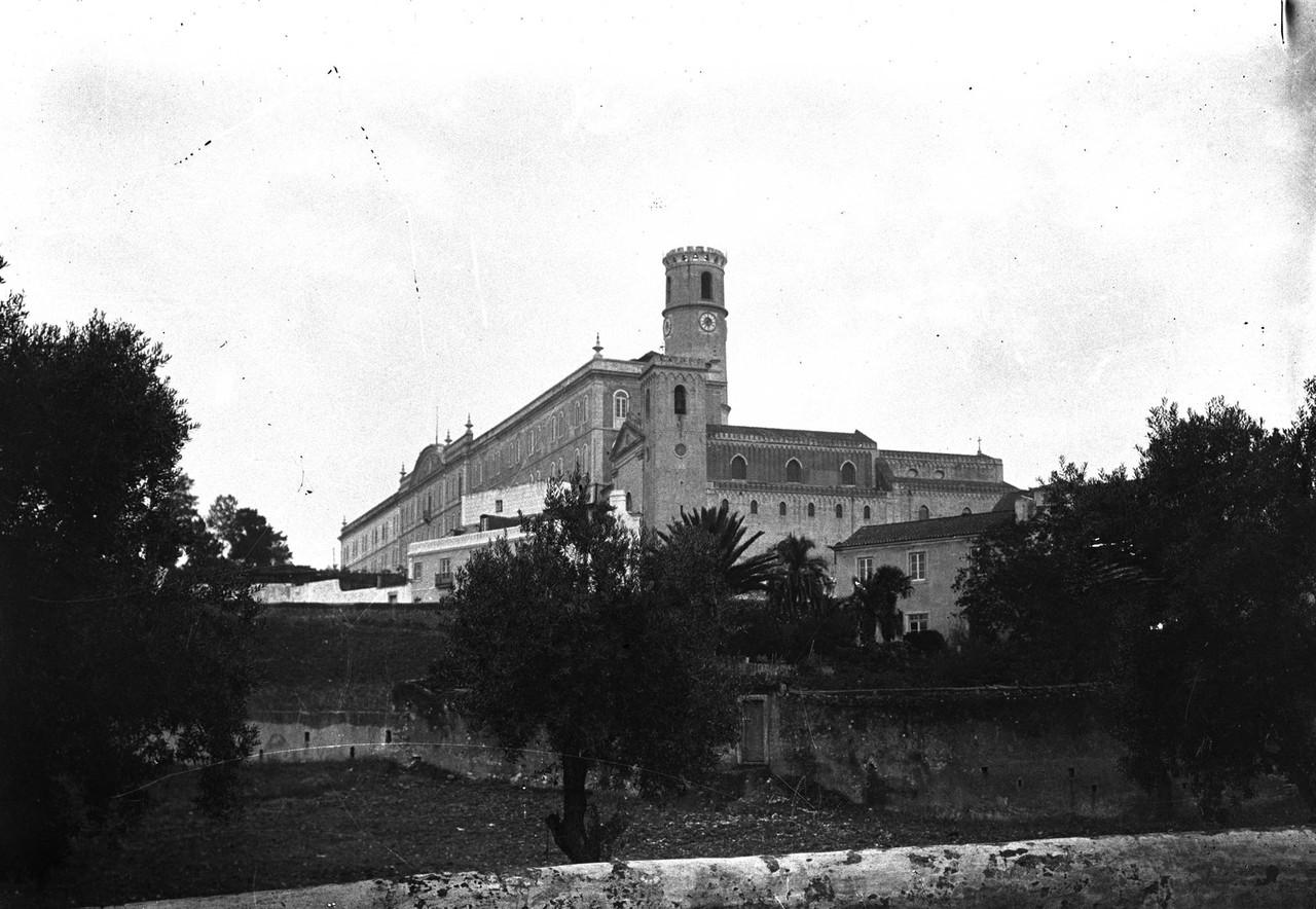 Colégio de Campolide, foto de Joshua Benoliel.jpg