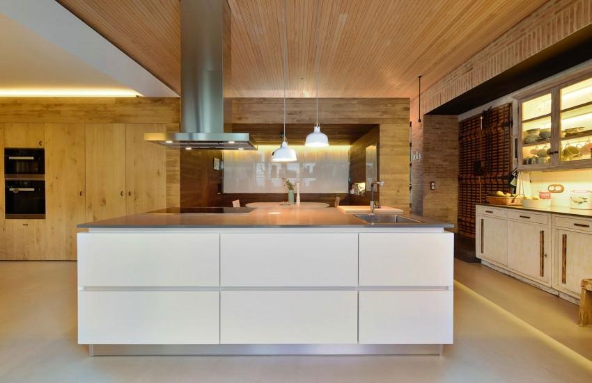 House-in-Estoril-16-850x551.jpg