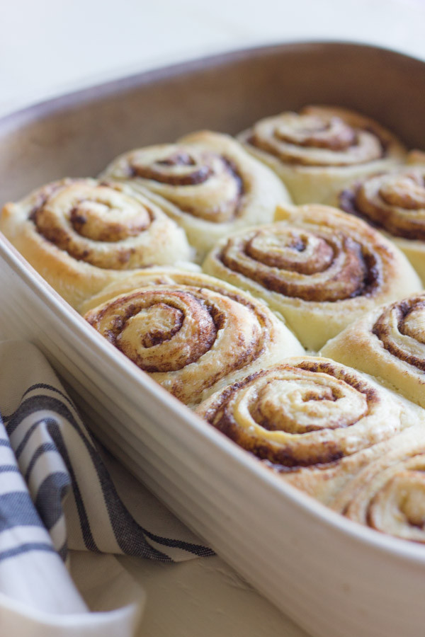 Overnight-Cinnamon-Rolls-With-Cream-Cheese-Frostin