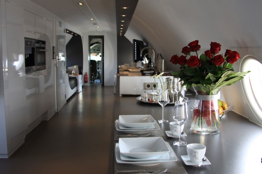 Airplane-Suite-10-850x566.jpg