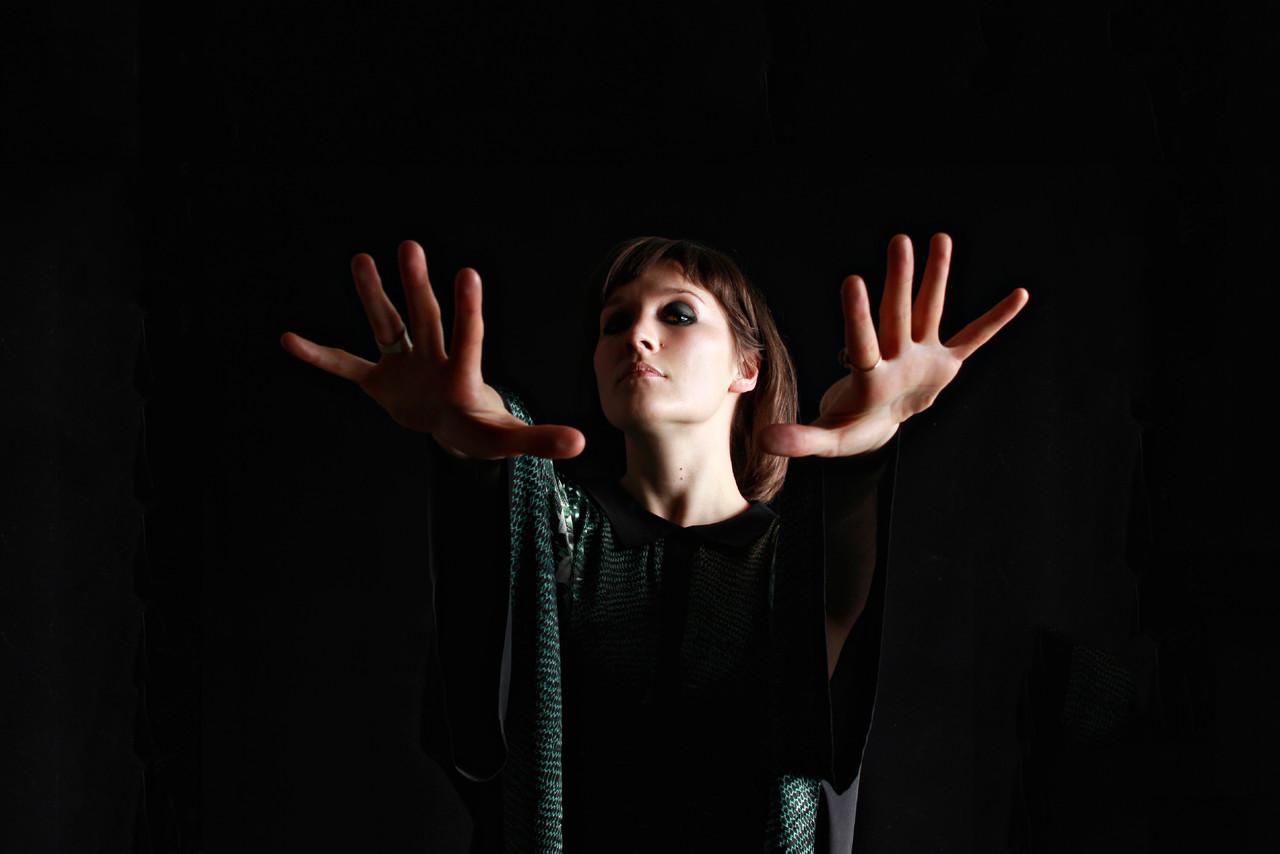 cate-le-bon-2012-colour-4-hi-res-c-angel-ceballos.