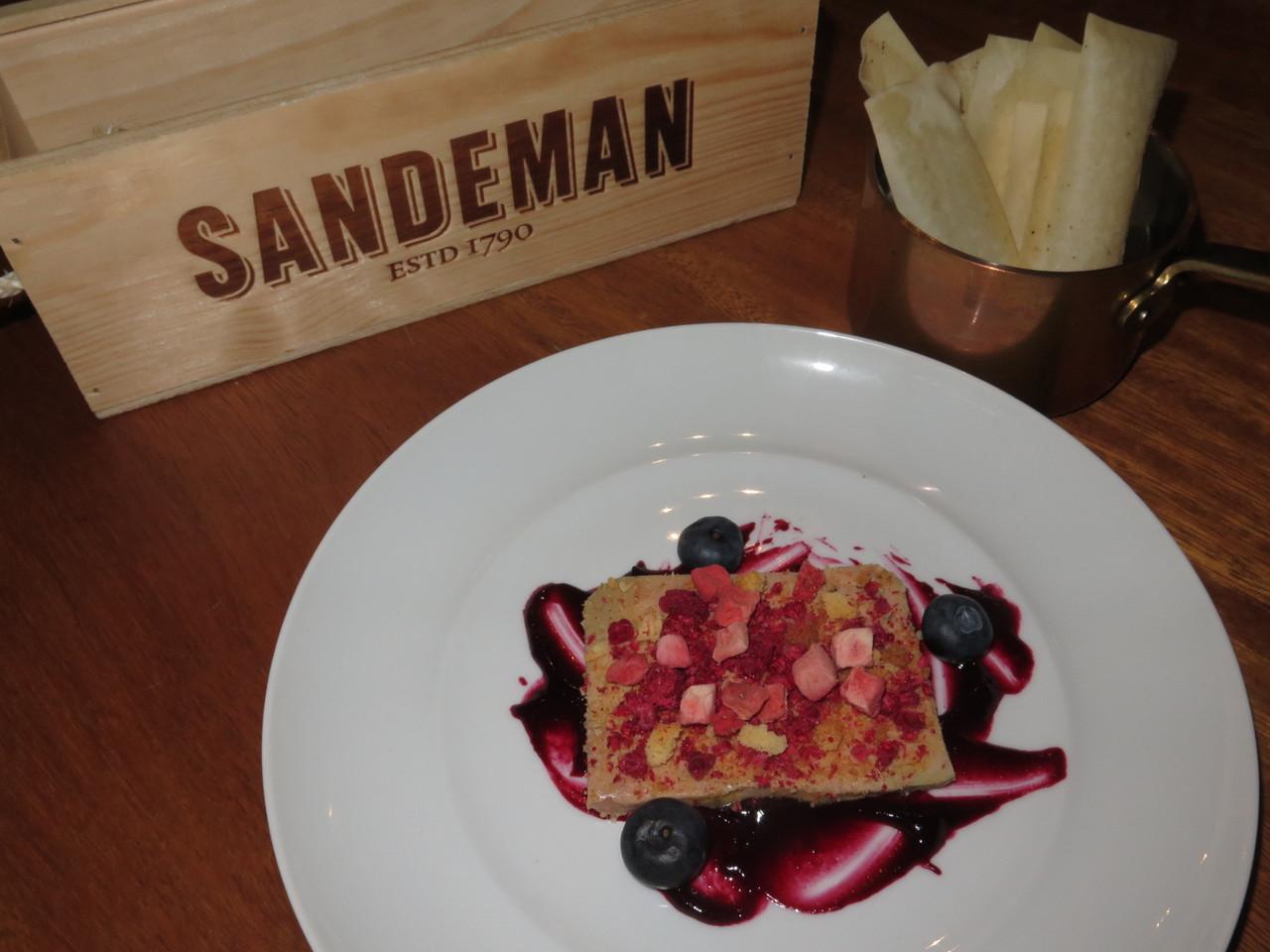 Foie gras e frutos vermelhos com anis