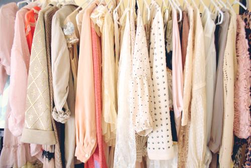 organizar closet por cores.jpg