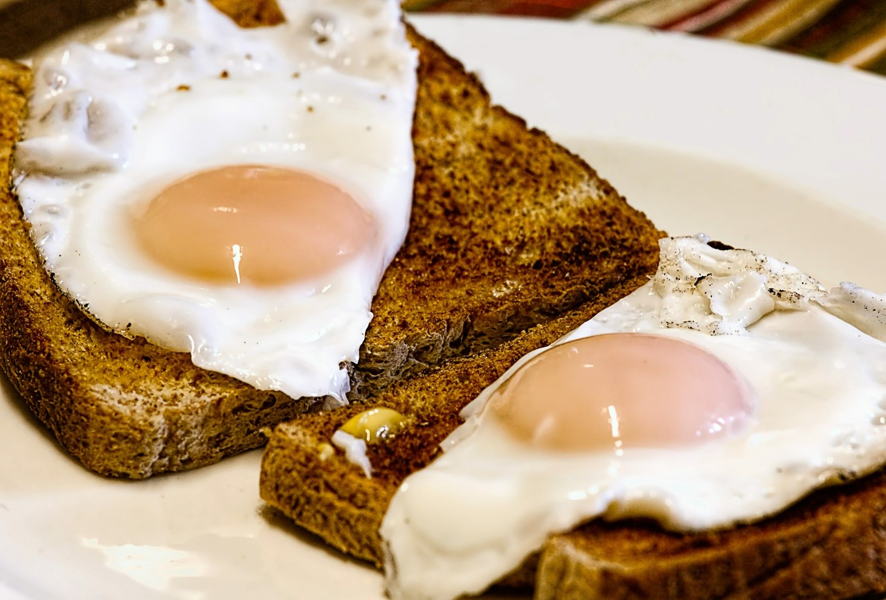 fried-eggs-456351_1920.jpg