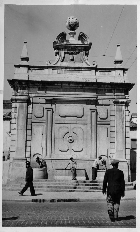 Chafariz do Intendente,  1944, foto de Fernando Ma