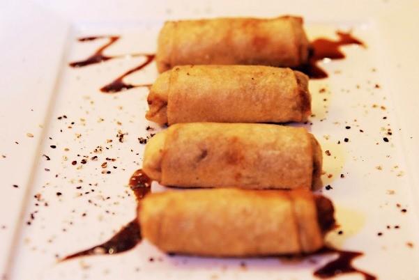 Rolinho-primavera-de-banana-com-chocolate-1.jpg