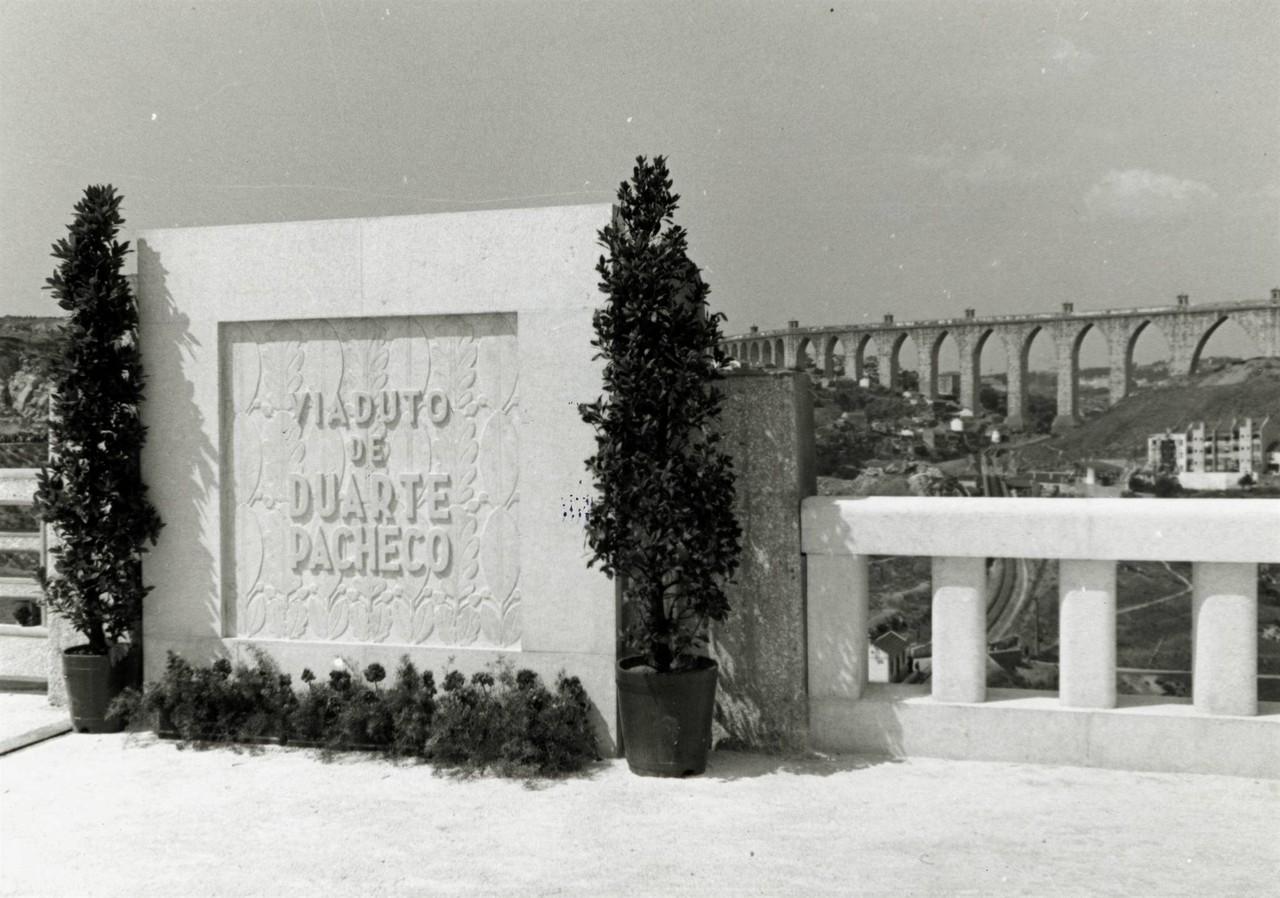 Inauguração do Viaduto Duarte Pacheco, foto de F