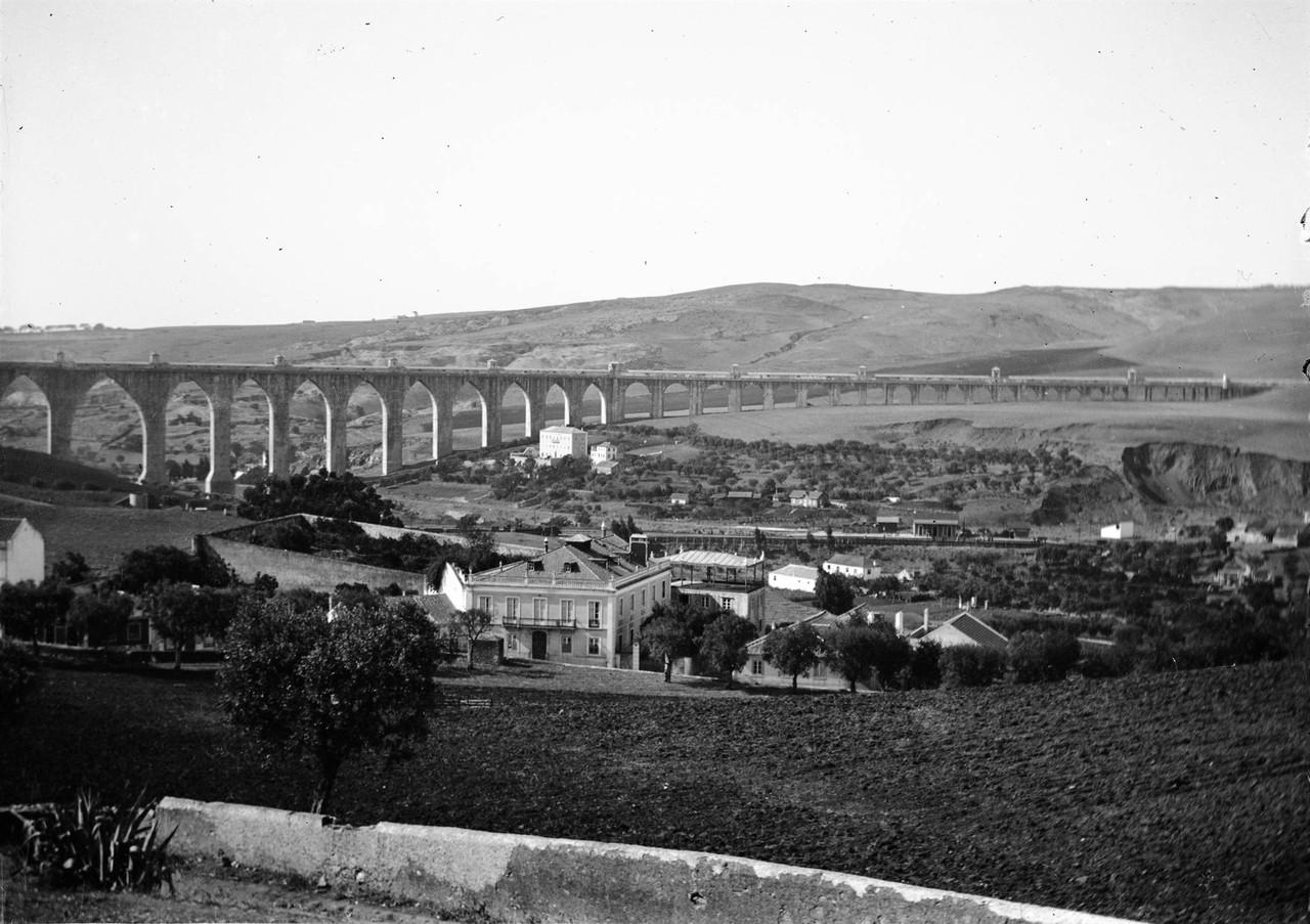 Vale de Alcântara no sítio de Campolide.jpg