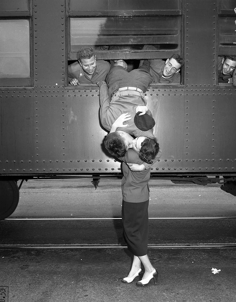 old-photos-vintage-war-couples-love-romance-33-573