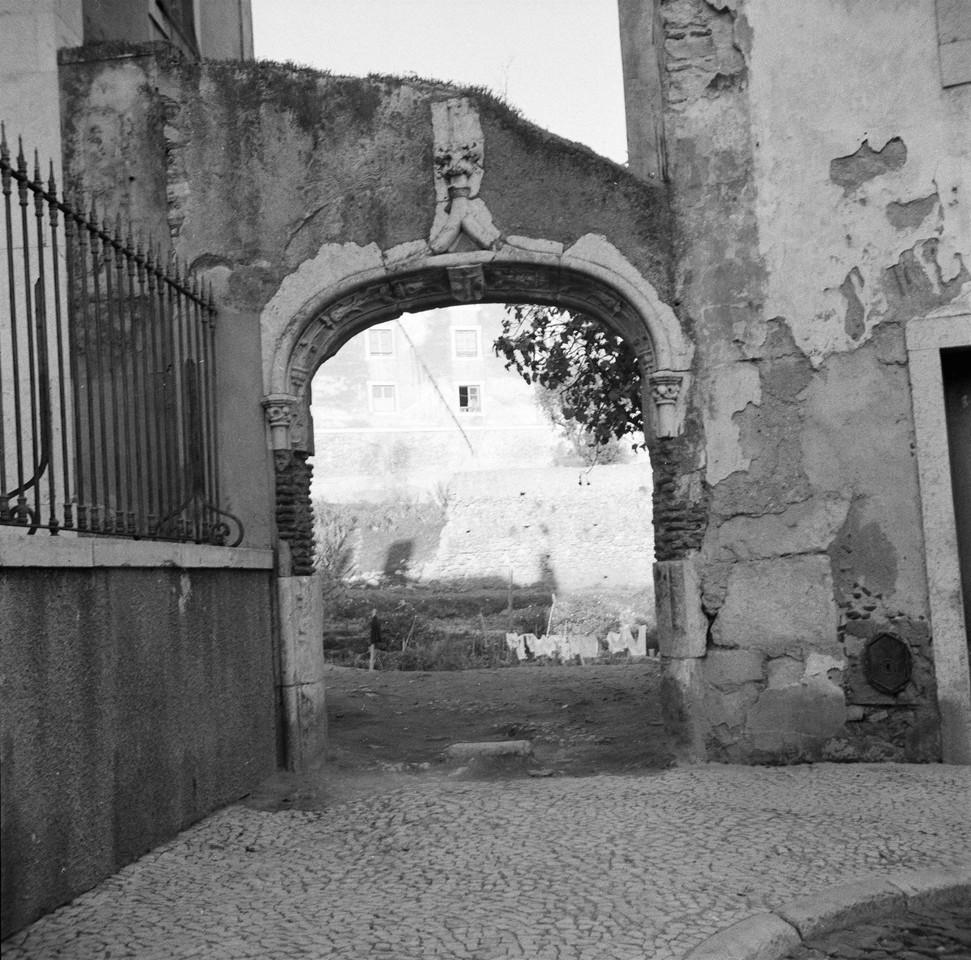 Arco da travessa do Recolhimento de Lázaro Leitã