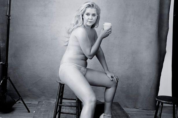 Amy-Schumer-Pirelli-pose.jpg