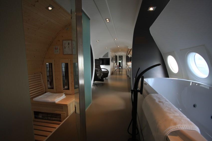 Airplane-Suite-14-850x566.jpg