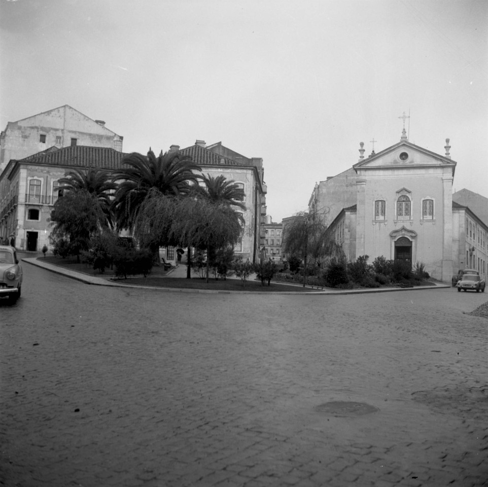 Igreja de Arroios, fachada principal, anos 50, fot