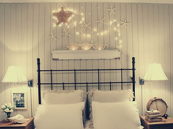 Christmas-Lights-in-Bedroom-02-1-Kindesign.jpg