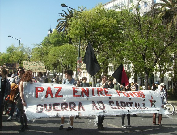 25 de Abril Lisboa 105