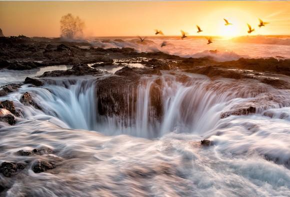 Thors Well, Oregon.jpg