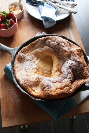 Perfect-Dutch-baby-pancake-2-inmyredkitchen.jpg