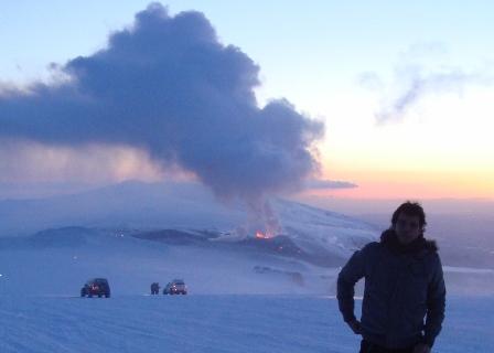 eu no glaciar Myrdalsjökull e no vulcão Fimmvör
