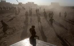 Distribuição alimentos arredores Mossul, Iraque