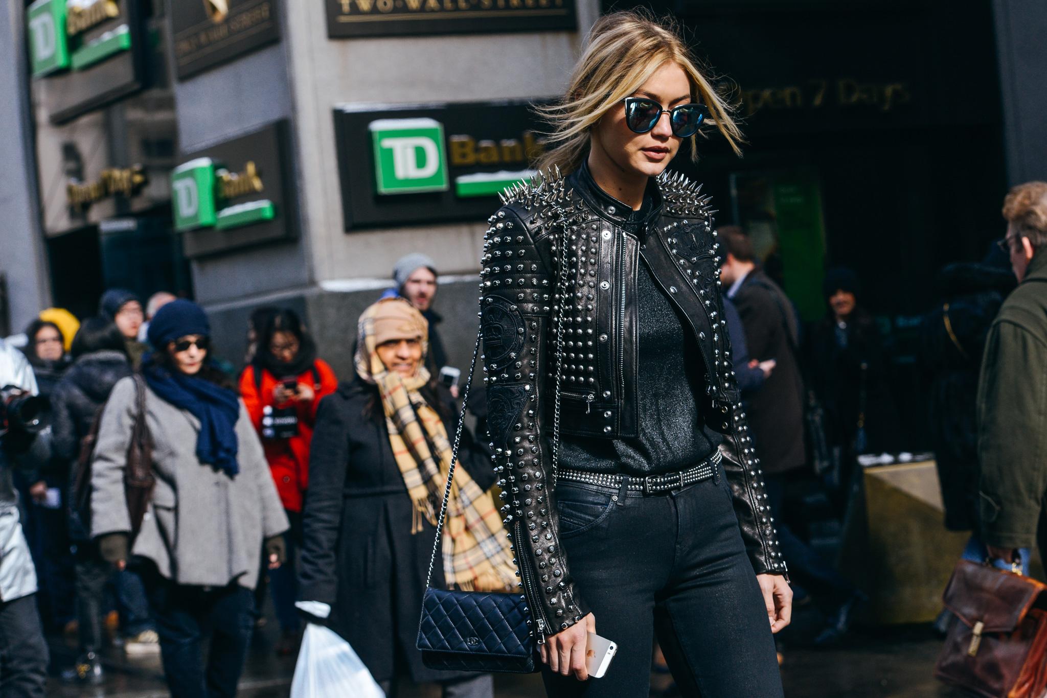 25-fall-2015-ready-to-wear-street-style-11