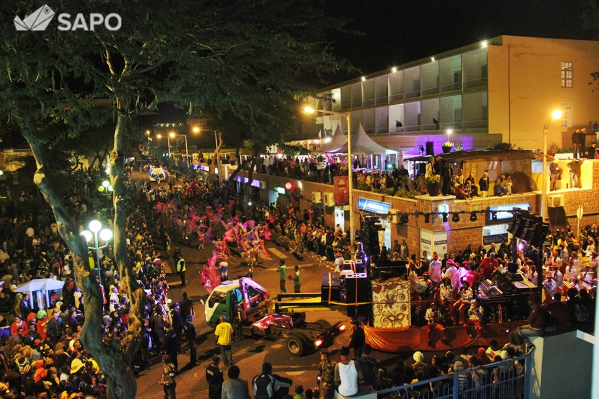 Desfile Samba Tropical 2015