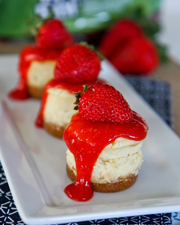 Mini-Strawberry-Cheesecakes-4-2-650x849.jpg