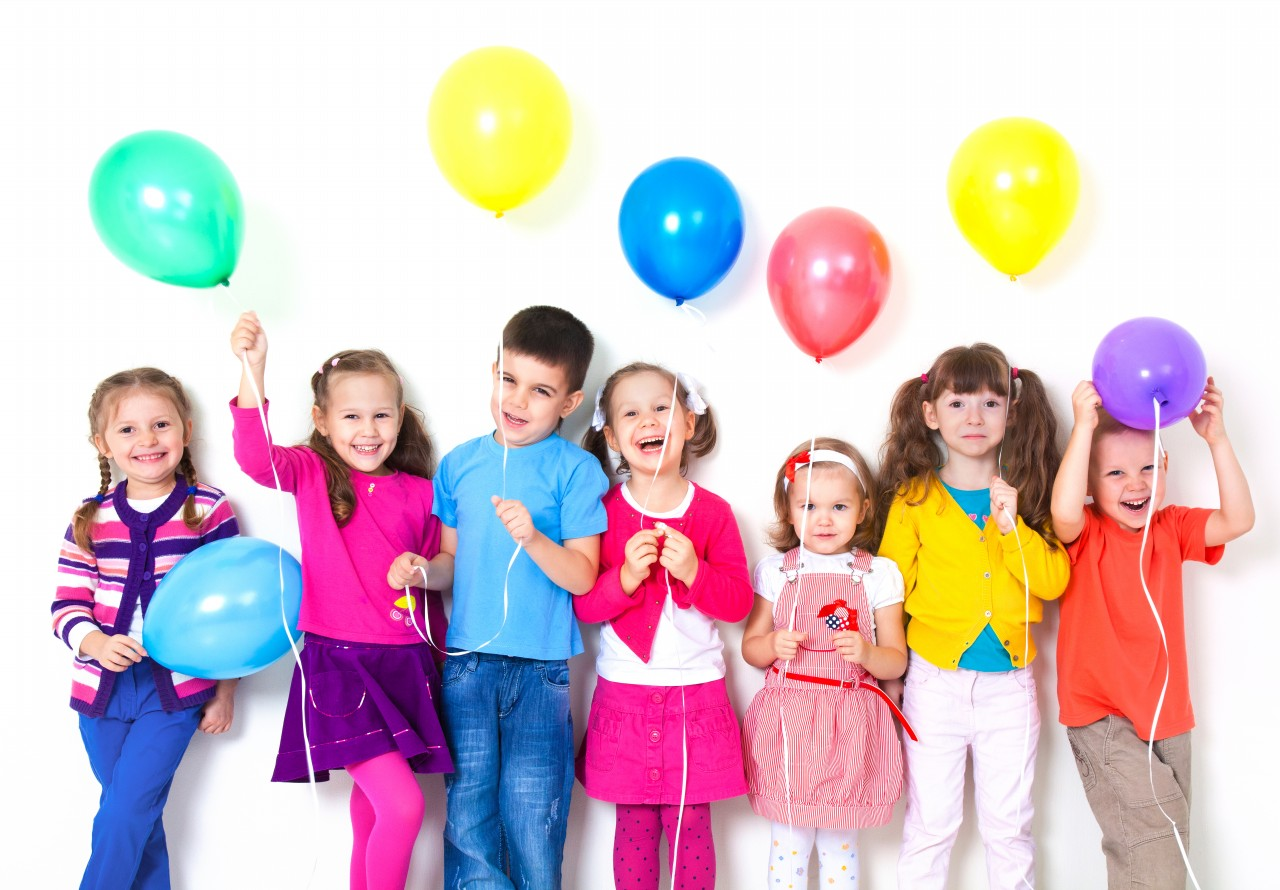 Big-group-of-happy-children-with-balloons.jpg